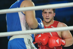 Rashid Kodzoyev (rot) gegen Alexey Emelyanov Lizenzfreie Stockbilder