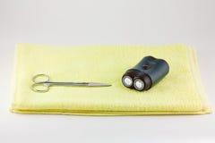 Rasierapparat und scissor stockbilder