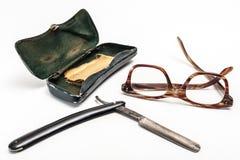 Rasiermesser und Gläser Lizenzfreies Stockbild