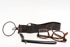 Rasiermesser und Gläser Lizenzfreie Stockbilder