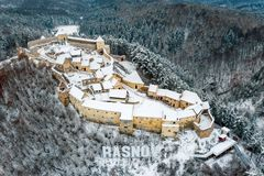 Rasnov chłopski forteca w Rasnov mieście blisko otręby i Brasov w Transylvania, Rumunia zdjęcie stock