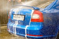rasoirs bleus de bulle de voiture de rs d'octavia de skoda Images libres de droits