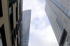 Raspadores do céu em Francoforte imagem de stock