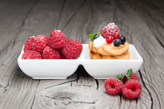 Raspberries mini cake Royalty Free Stock Photography