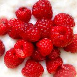 Raspberry and oatmeal Royalty Free Stock Photos