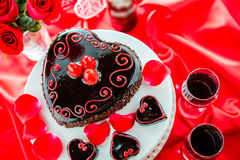 Raspbeverly Flourless Cake. Chocolate beer and wine pairings. Raspbeverly Flourless Cake with Zinfandel wine for Valentines day Stock Photo