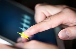 rassegna una stella nella ricerca di indagine, di scrutinio o di soddisfazione del cliente immagini stock