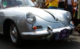 Rassemblement antique international 'Riga rétro' 2013 de véhicule à moteur photographie stock