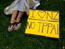 Rassemblement contre l'accord commercial de TPP à Auckland Photo libre de droits
