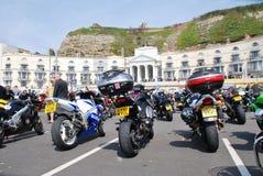 Rassemblement de cyclistes de jour de mai, Hastings image stock