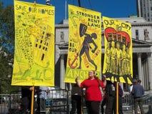Rassemblement de locataires pour des lois plus fortes de loyer Image libre de droits