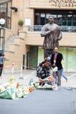 Rassemblement de personnes en deuil pour Mandela Photos stock