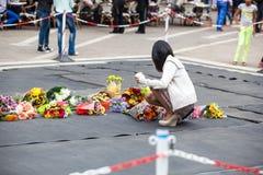Rassemblement de personnes en deuil pour Mandela Photo libre de droits