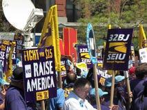 Rassemblement pour exiger le salaire minimum du passage $15 de sénat de NYS Photographie stock
