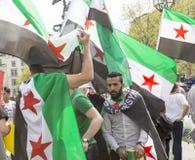 Rassemblement syrien dans Trafalgar Square pour soutenir des médecins sous le feu Image libre de droits