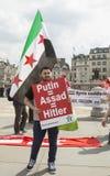 Rassemblement syrien dans Trafalgar Square pour soutenir des médecins sous le feu Photos libres de droits