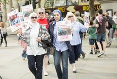 Rassemblement syrien dans Trafalgar Square pour soutenir des médecins sous le feu Photo stock