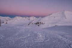 Rasset i bergen första strålsun Fotografering för Bildbyråer