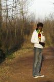 Rastafarian in Europees bos stock afbeelding
