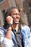 Rastafarian mężczyzna słucha muzyka zdjęcie stock