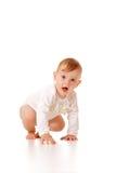 Rastejamento bonito do bebé Fotografia de Stock Royalty Free
