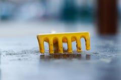 Rastrillo del plástico del ` s de los niños Foto de archivo