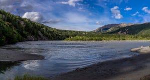 Rastro de herradura del lago en el parque de Denali imagenes de archivo