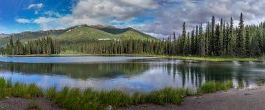 Rastro de herradura del lago en el parque de Denali foto de archivo libre de regalías