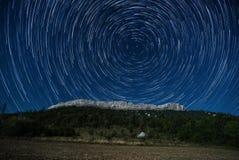 Rastro de la estrella sobre Ceuse Imagen de archivo