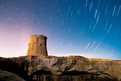Rastro de las estrellas de la torre en la noche Imagen de archivo