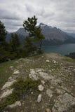 Rastro de Minnewanka del lago Imagen de archivo libre de regalías
