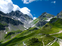 Rastro de montaña en las montan@as de Suiza Fotografía de archivo