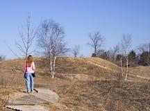 Rastro de naturaleza de señora Hiking A Fotos de archivo
