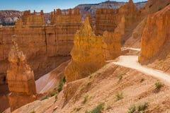 Rastro del lazo de Navajo en Bryce Canyon Imagen de archivo libre de regalías