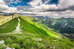 Rastro en las montañas de Tatras, Polonia Fotografía de archivo