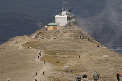 Rastro a la cumbre de la montaña de las marmotas Fotos de archivo libres de regalías