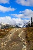 Rastro a la montaña foto de archivo libre de regalías