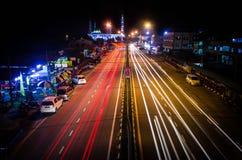 Rastro ligero hermoso en la carretera Foto de archivo libre de regalías