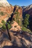 Rastro peligroso en Zion National Park, el aterrizaje del ángel Foto de archivo