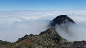 Rastro sobre las nubes Imágenes de archivo libres de regalías