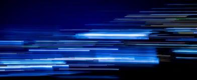 Rastros azules de la luz foto de archivo libre de regalías