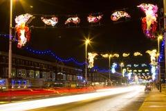 Rastros de la luz de los coches que pasan con las iluminaciones de Blackpool, Lancashire, Inglaterra, Reino Unido Imagen de archivo libre de regalías