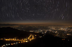 Rastros y ciudad de las estrellas Imagen de archivo libre de regalías