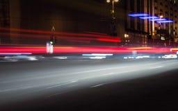 Rastros de noche de los faros de los coches Freezelight Noche Kyiv kiev Foto de archivo libre de regalías