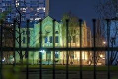 Rastros de Varsovia judía, sinagoga en la noche Fotografía de archivo libre de regalías