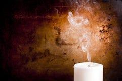 Rastros del humo de la vela Fotografía de archivo