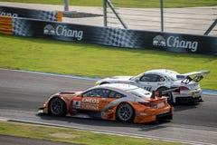 Rasy Podwójna bitwa ENEOS SUSTINA RC F GT500 z Studie BMW Z4 GT Zdjęcie Stock