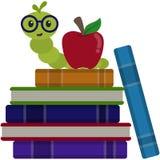 Ratón de biblioteca feliz en la pila de ejemplo de libros libre illustration