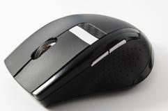 Ratón inalámbrico del ordenador en el fondo blanco Fotografía de archivo