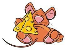 Ratón que duerme y que abraza la una pieza del queso Foto de archivo libre de regalías